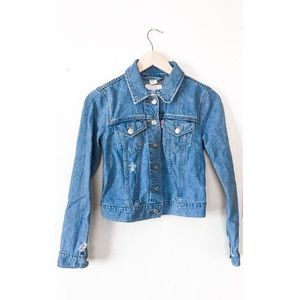 Levi's Trucker Cropped Distressed Denim Jacket